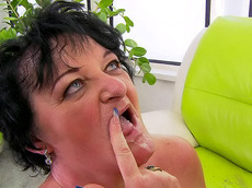 Leslie Pearl - brunette, shaved pussy, facial, short hair, fat, fuck, HD
