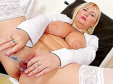 Jarmila - big tits, blonde, stockings, chubby, toys, medical